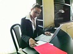 Клаудиа Роси, офис, чекия, секретарки, дупета, анално