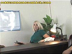 блондинки, милф, черни, мама, кур, свирки, междурасово