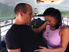 яки мацки, азиатки, училище, автобус