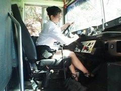 Виктория Гивънс, училище, автобус, тийнейджъри, момчета