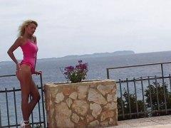 Николета Блу, басейн, блондинки