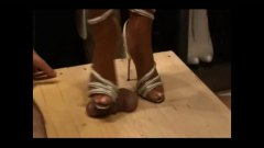 starije, ženska dominacija, štikle, fetiš na stopala