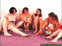парти, аматьори, реалити, лесбийки, орално