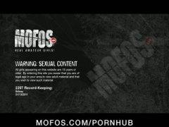дилдо, мастурбация, мокри, тийнейджъри, фетиш, стриптиз
