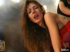 brunetky, spodná bielizeň, zadočky, ponižovanie, zozadu, vtáky, bolesť, anál, nemky