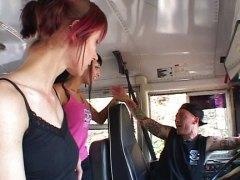 тийнейджъри, готика, училище, автобус