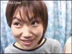 азиатки, тийнейджъри, изпразване на лицето