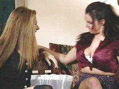 Анджелика Син, играчка, лесбийки