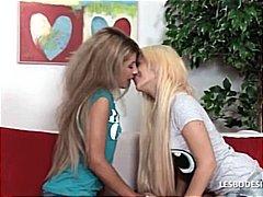 тийнейджъри, близане, цици, еротика, аматьори, лесбийки