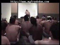 празнене, унижение, изпразване на лицето, роби