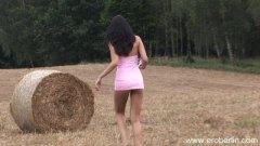 Yulia Bright, draußen, pussy, nutten, pissen, masturbationen, pornostar, ungarisch
