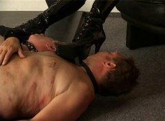 spanking, kvindelig dominans, smerte, tyskere