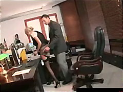 шеф, офис, цици, яки мацки, на лицето, реалити, блондинки
