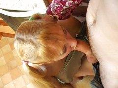 тийнейджъри, рускини, кухня, блондинки