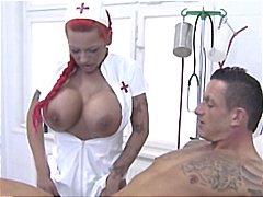 медицински сестри, големи цици, яко ебане, червенокоси