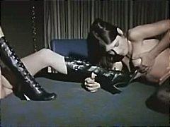 lesbiske, saftig sex, slikning, fisse, uartige piger, vintage, støvler, sort