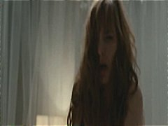 леко порно, голи жени, целувка, знаменитости, брюнетки