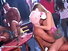 групов секс, стриптиз, домашно видео, свирки, аматьори