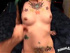 пънк, свирки, пръсти, татуировка, голям кур, гледна точка