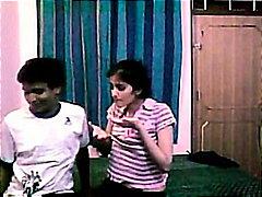 ученички, домашно видео, двойка, индийки, свирки