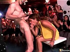 свирки, парти, жена гол мъж