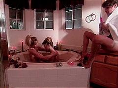 мастурбация, блондинки, големи цици, играчка, баня