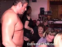 पार्टी, मुखमैथुन, सामूहिक चुदाई