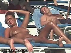 स्विमिंग पूल, नंगे चूंचे, समुद्र तट