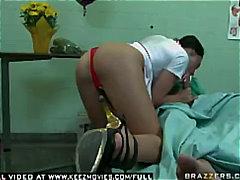 медицински сестри, яки мацки, порно звезди, брюнетки
