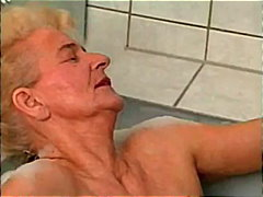 paroase, ude, sex cu degetul, blonde, femei mature, in grup, laba, sex stilul cainelui, dubla penetrare