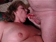 boubelky, zralý ženský, na pejska, amatérská videa, hardcore, paničky, felace, uspokojování žen