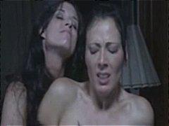 женска доминация, страп-он, лесбийки