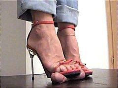 празнене, фетиш с крака, женска доминация