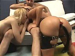 Annette Schwarz, Naomi Russell, Naomi