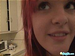 piercing, amatérská videa, tetování, zrzky, bývalé přítelkyně, kuchyně, emo