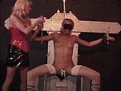 женска доминация, поли, садо-мазо, латекс, чорапи, слаби