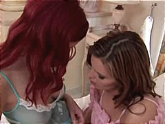 Сузи Карина, сливи, орално, червенокоси, лесбийки