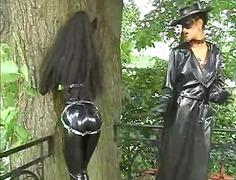женска доминация, яки мацки, латекс