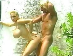Лиса Липс, плаж, порно звезди, големи цици