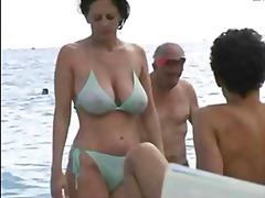 големи цици, плаж