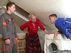 ibu/emak, nenek, isteri, realiti, matang, suri rumah