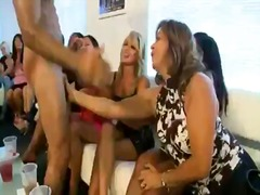 групов секс, свирки, воайор, парти, стриптиз, пияни