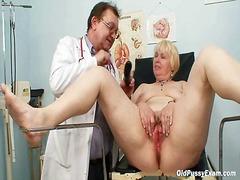 възрастни, бабички, доктор, гинеколог, големи цици, сливи