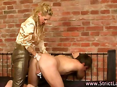 женска доминация, страп-он, фетиш, странни, садо-мазо