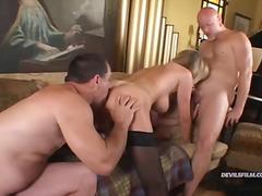 групов секс, бисексуални