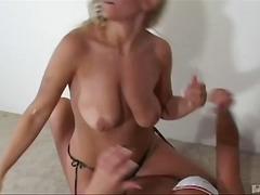 порно звезди, пиърсинг, бръснати, лесбийки, яко ебане