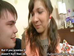 двойка, тийнейджъри, домашно видео, задна прашка