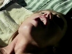 büyük göğüslü, doğal göğüsler, esmer, açıkhava, oral, doruk noktası, köpek stili, oral seks