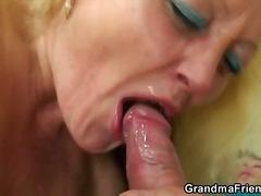 porno hardcore, nenek, bertiga, hisap konek, rambut blonde