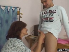 nonnine, brunette, sesso orale, eiaculazione con bersaglio, hardcore, masturbazione